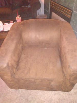 Brown suade chair. for Sale in Beaverton, OR