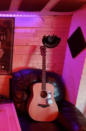 Taylor 210e Electric Acoustic Guitar for Sale in Lackawanna, NY
