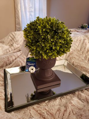 Light Up Topiary Floral Flower Arrangment ♡ for Sale in Rochester Hills, MI