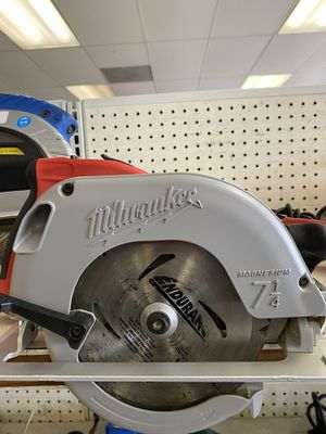 Milwaukee 7 1/4 circular saw for Sale in Austin, TX