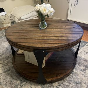 Living Spaces Blanton Round Coffee Table for Sale in Los Angeles, CA