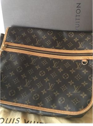 Authentic Louis Vuitton messenger bag for Sale in Lomita, CA