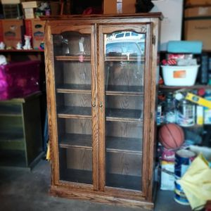 Antique Wood With Glass Cabinet for Sale in Hacienda Heights, CA