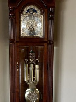 Grandfather Clock for Sale in Los Angeles,  CA