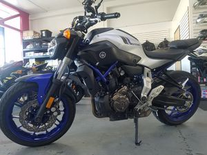 2016 YAMAHA FZ07 MOTORCYCLE | 1,724 MILES | CLEAN TITLE for Sale in Millbrae, CA