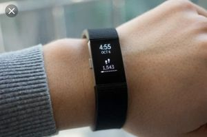 Fitbit charge 2 for Sale in Haines City, FL