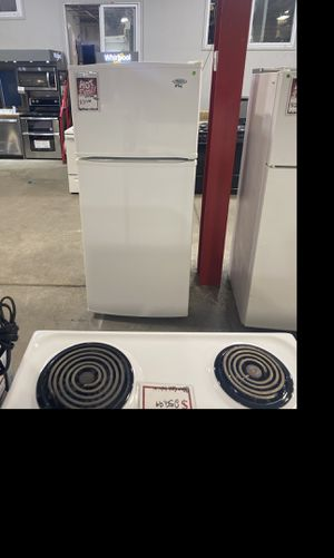 Whirlpool 28 inch top/bottom fridge #906 for Sale in South Farmingdale, NY