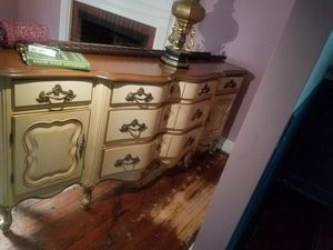 Antique dresser for Sale in Redford Charter Township, MI