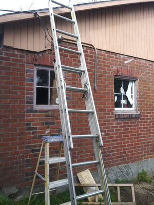 16 ft aluminum extension ladder for Sale in Portland, OR