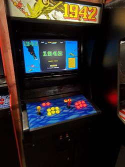 Multicade Arcade Machine 1942 with 7000+ games for Sale in Molalla,  OR
