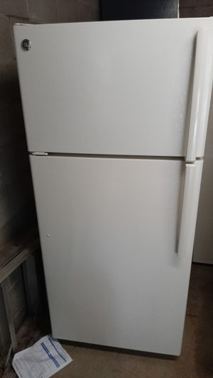 Ge Bisque Refrigerator for Sale in Gibsonia, PA