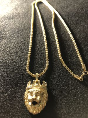 """18kmgl (gold filled not plated or stainless) 3mm 30"""" box chain with lion charm for Sale in Tampa, FL"""