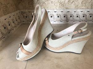 Uggs wedge shoe, size 10 for Sale in Phoenix, AZ