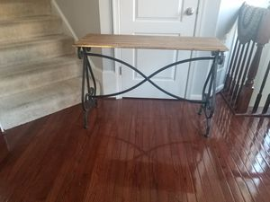 Iron Scroll Console Table for Sale in Upper Marlboro, MD