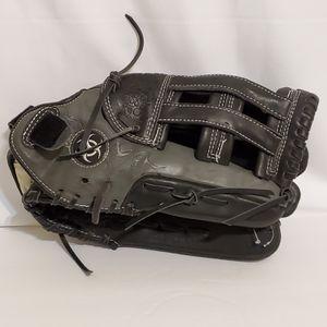 "Worth Mutant 14"" Baseball Softball Black Glove RHT for Sale in La Grange Park, IL"