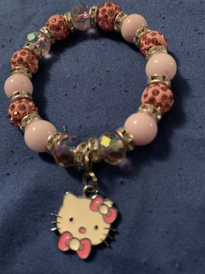 Hello kitty charm bracelet for Sale in Miami, FL