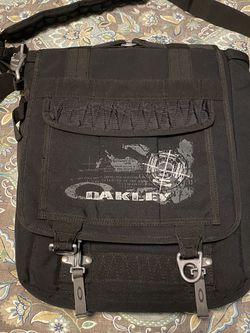 Oakley Messenger Bag Laptop Bag for Sale in Sherwood,  OR