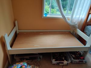 Twin bed, solid wood frame, plywood board. Creamy ivory color. for Sale in Federal Way, WA
