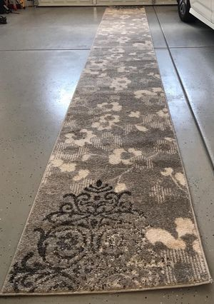 """Safavieh Adirondack Collection Silver and Ivory Contemporary Chic Damask Runner (2'6"""" x 20 feet long) BRAND NEW for Sale in Glendale, AZ"""