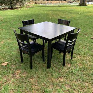 Dining Set. 4place, Solid Hardwood for Sale in Maple Valley, WA