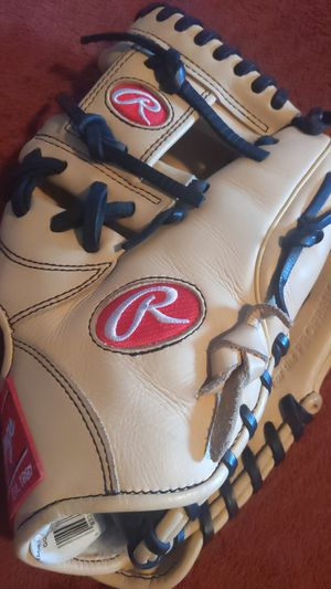 Rawlings Baseball Glove for Sale in Hawthorne, CA