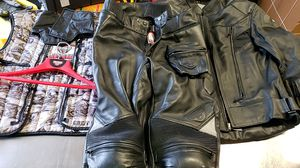 First Gear Leather Riding set armor - motorcycle, Harley Davidson, yamaha, bike, HD for Sale in Willow Spring, NC