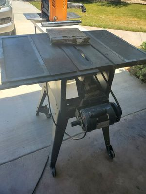 """10"""" Craftsman table saw with extra blades for Sale in Hesperia, CA"""