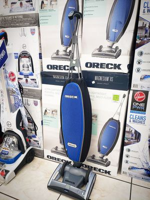Oreck Magnesium RS Bagged Upright Vacuum for Sale in Hialeah, FL