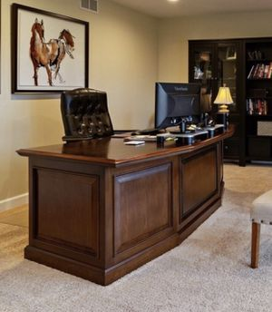 Desk, Chair and Credenza set for sale (Moving sale) for Sale in Lemont, IL
