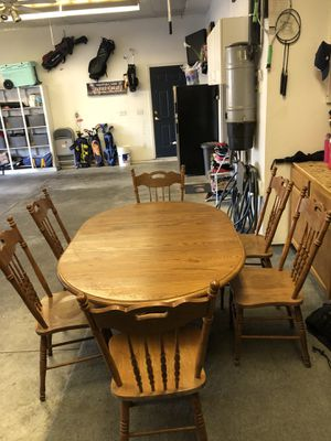 Solid oak dining table and chairs FREE for Sale in Rosemount, MN