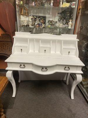 Solid wood white desk pick up la Mesa for Sale in San Diego, CA