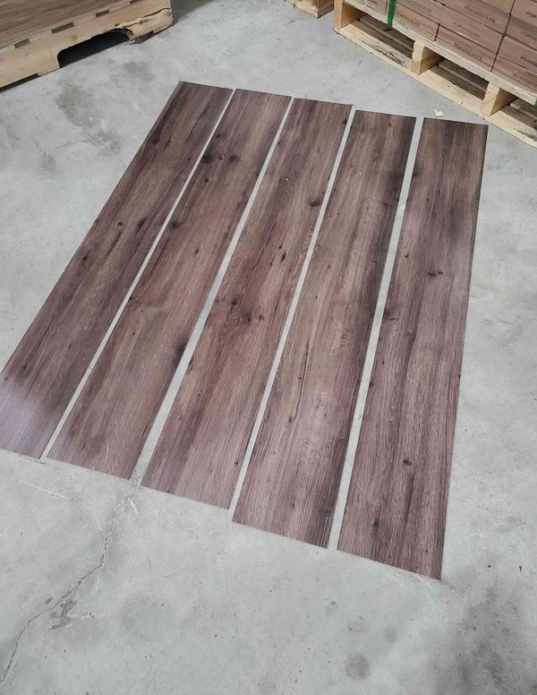 Luxury vinyl flooring!!! Only .60 cents a sq ft!! Liquidation close out! EJ3B