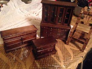 Mini desk antique for Sale in San Diego, CA