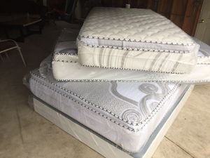 ORTHOPEDIC PILLOW TOP MATTRESS AND BOX SPRING for Sale in Berwyn, IL