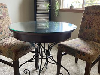 Bistro Table And Chairs for Sale in Puyallup,  WA