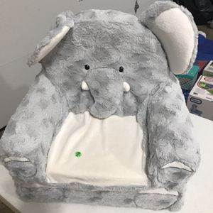 Plush Elephant Chair for Sale in Grove City, OH