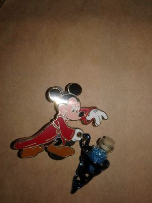 Disney official pin trading mickey with magic dust for Sale in Downey, CA