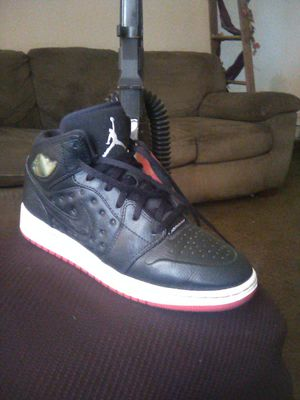 """Jordan 1 size """"5 for Sale in Madera, CA"""