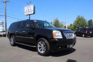 2011 GMC Yukon XL for Sale in Auburn, WA