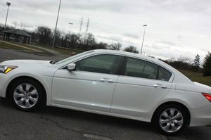 WhiteFully Leather / SunRoof 2008 Honda Accord for Sale in Louisville, KY