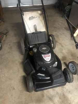 CRAFTSMAN SELF PROPELLED MOWER WITH BAG for Sale in St. Louis, MO