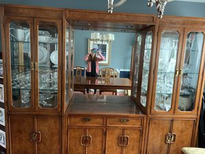 Thomasville Brown Pecan China Cabinet for Sale in Berkeley Township, NJ