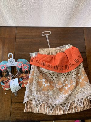 Moana skirt size 2T and sandals size 7/8 for Sale in Los Angeles, CA