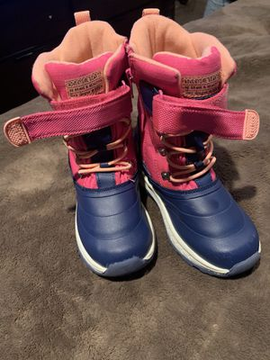 Snow boots girls sz 1 for Sale in Fontana, CA