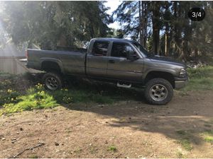 2000 Chevy Silverado 2500(gas) trade for subie!! for Sale in Edmonds, WA