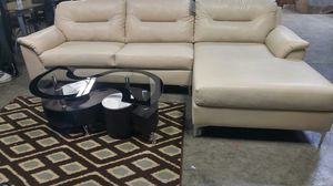 Sofa w/chaise for Sale in Portland, OR