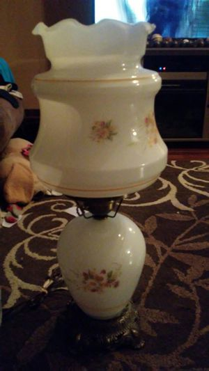 Vintage electric hurricane lamp for Sale in Lyman, SC