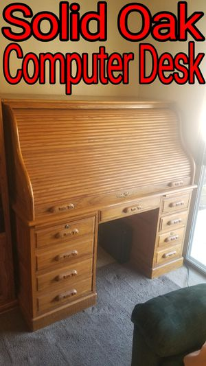 Solid OAK Computer Roll Top Desk has keys Fits 27 in Monitor / Printer for Sale in Redlands, CA