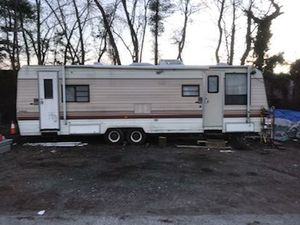 Camper yukon for Sale in Baltimore, MD