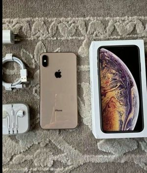 Apple iphone xs max gold 512gb for Sale in New York, NY